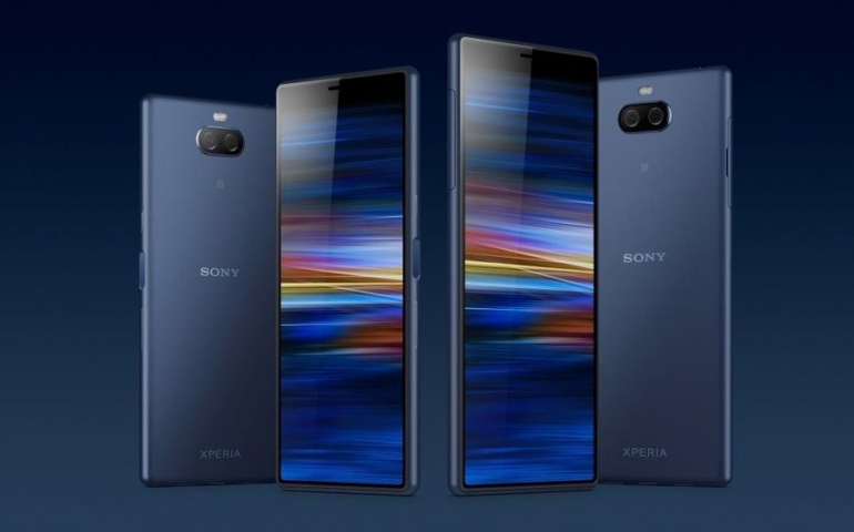 xperia-10-10plus-familly-2-trim.jpg